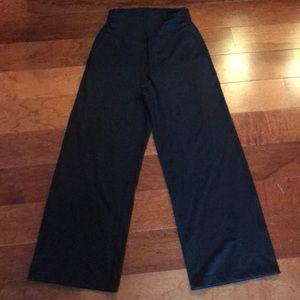 Lululemon Pants: High Waist/Side Pockets (6) EUC